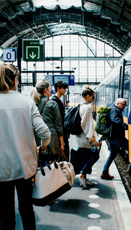 03_KWS-Bahnwerbung-Intro-vertical