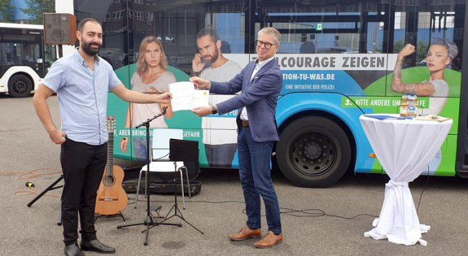 kws-zivilcourage-mazen-mohsen-ludwigsburg-ganzgestaltung-bus